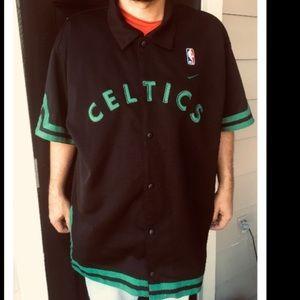 (Vintage)Boston Celtics warm up Jersey like new